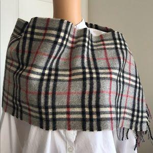 Euc Burberry vintage check cashmere scarf